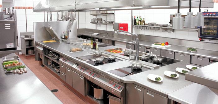 Bếp ăn bố trí theo nguyên tắc một chiều là yêu cầu bắt buộc để được cấp giấy phép an toàn vệ sinh thực phẩm cho nhà hàng